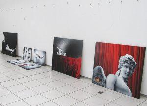 Ausstellung Aufbau Künstlermuseum Heikendorf Künstler Kai Piepgras